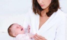 Aprenda a limpar o nariz entupido do bebê corretamente