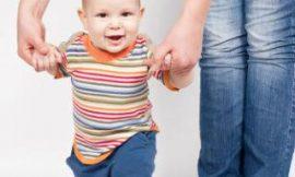 Qual idade o bebê começa andar?