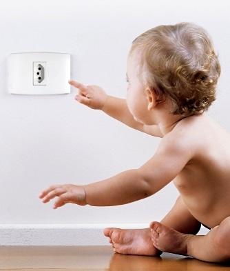 Read more about the article Como deixar a casa segura para o bebê