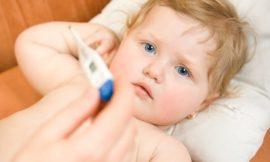 Como baixar febre do bebê