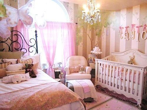 Cantinho do bebê no quarto do casal. (Foto: Divulgação).