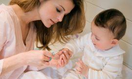 Como cortar as unhas do bebe recém nascido