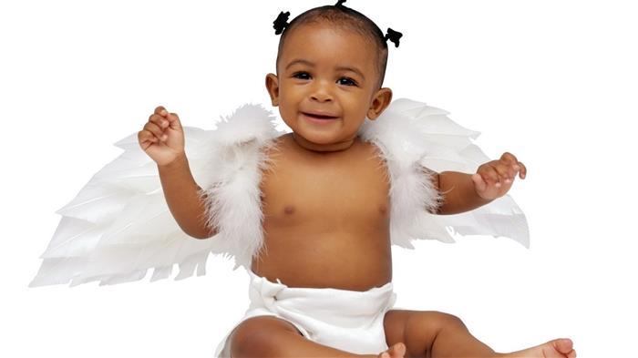 bebe vestido de anjo