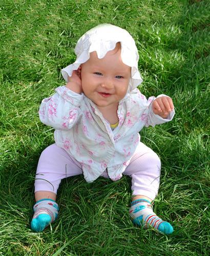 bebe de calça rosa