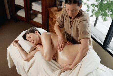 You are currently viewing Importância da massagem durante a gestação