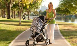 Primeiro passeio do bebê recém nascido