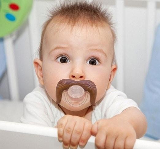 You are currently viewing Modelos de chupetas de bebês diferentes