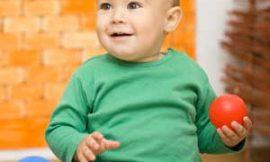 A partir de qual mês o bebê começa a sentar?