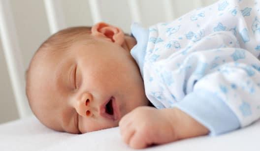 You are currently viewing Meu bebê ronca, o que pode ser?