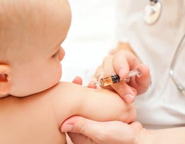 Read more about the article Reações da vacina no bebê