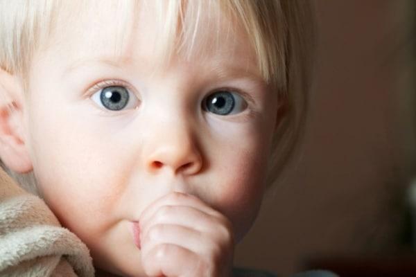 You are currently viewing Dicas para o bebê parar de chupar dedo