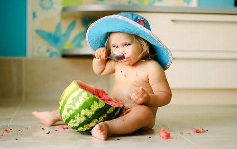 You are currently viewing 4 papinhas e sucos para refrescar os bebês no verão