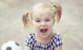 Dicas para lidar com o comportamento agressivo do bebê