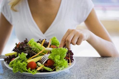 You are currently viewing O que comer e o que evitar no período de amamentação?