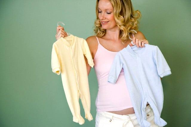 Read more about the article Cor da roupa da maternidade para o bebê