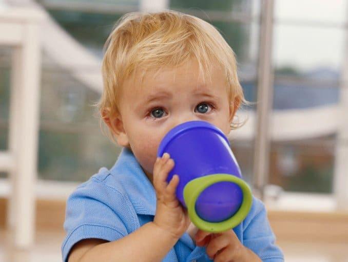 You are currently viewing Copos certos para cada fase do bebê
