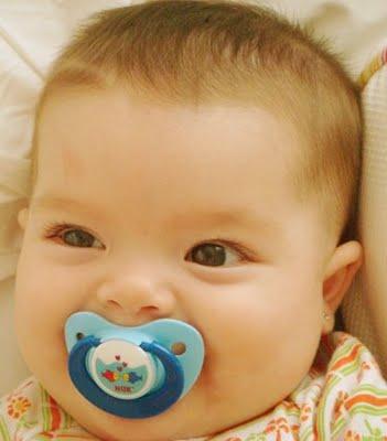 You are currently viewing Chupetas para o bebê, látex ou silicone?