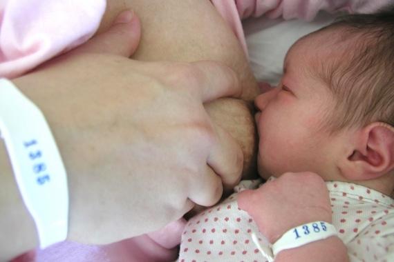 Read more about the article Cuidados na amamentação do bebê prematuro