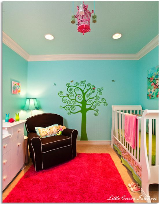 Decoração de quarto de bebê moderna