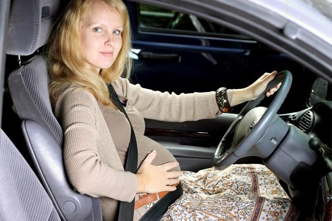 You are currently viewing Até quando a grávida pode dirigir?