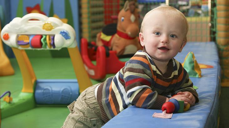 You are currently viewing Como escolher o berçário para seu bebê
