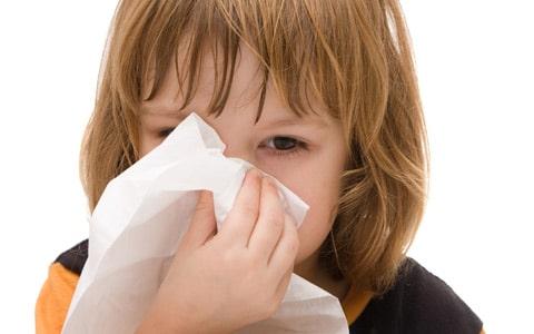 Read more about the article Como prevenir e tratar infecções respiratórias no bebê