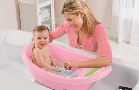 You are currently viewing Dicas para dar um banho seguro no bebê