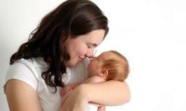 A importância do colo para o bebê