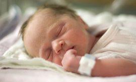 O que é aquela penugem que cobre o corpo do bebê?