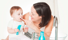 Como limpar a boca do bebê antes de nascer os dentinhos