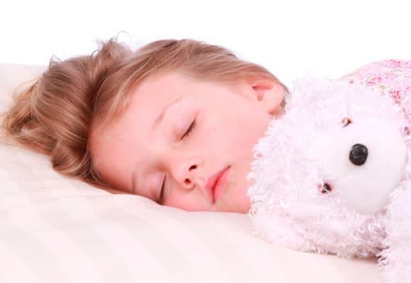 You are currently viewing Até que idade é normal a criança fazer xixi na cama?