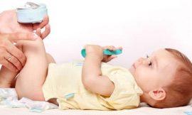 O que usar para limpar a pele do bebê após troca de fralda?