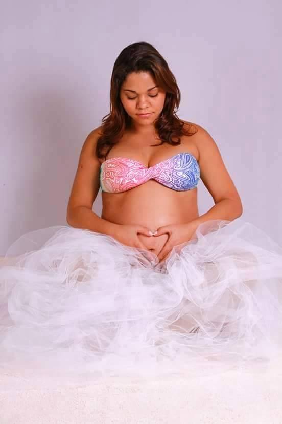 Esta é a Gabriela Nunes, e na barriga o pequeno Miguel.