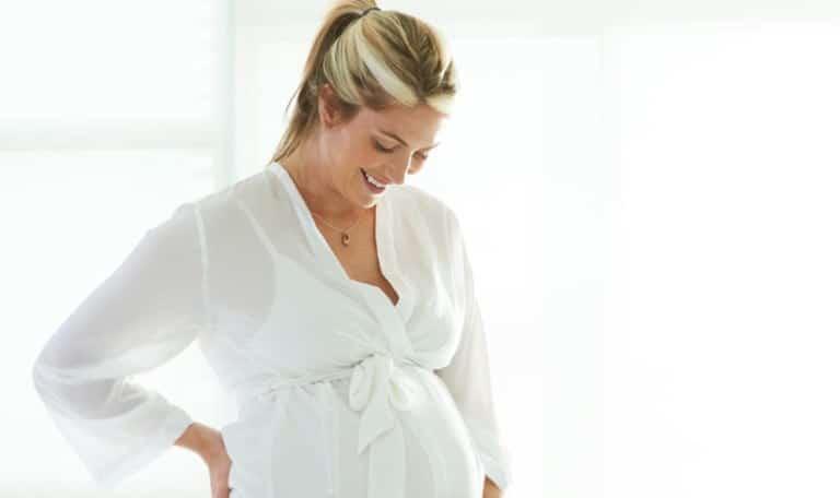 You are currently viewing Como estimular o bebê a falar durante a gestação