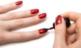 Pode ou não pintar as unhas antes da cesárea?