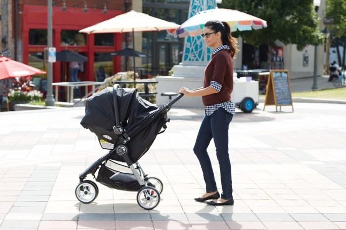 com quanto tempo o bebe pode sair pra passear