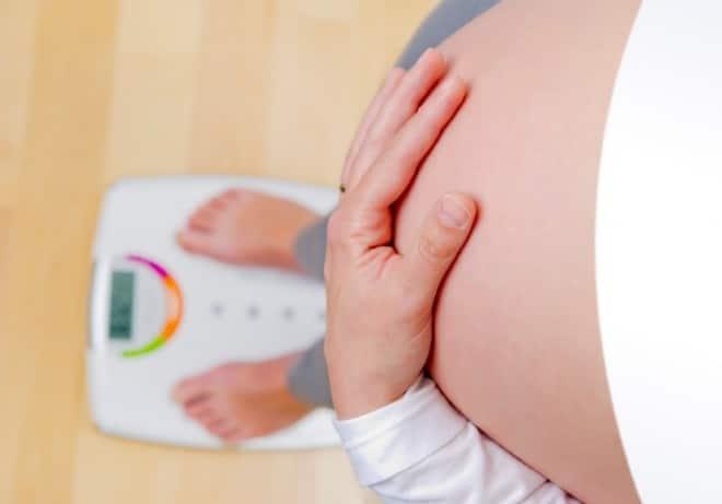 You are currently viewing É normal não engordar durante a gravidez?