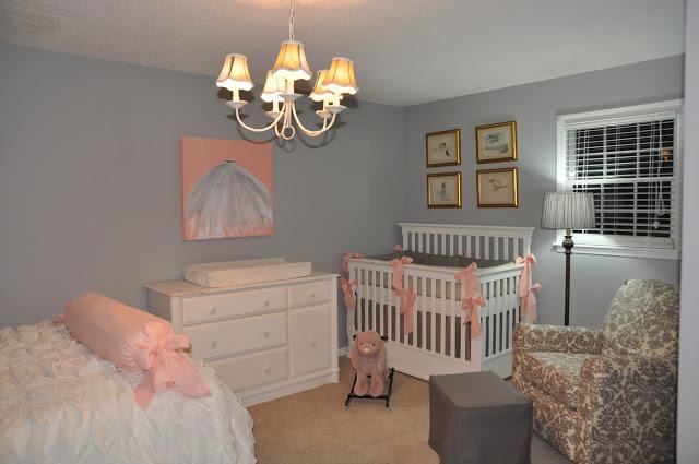 espaço de bebe no quarto dos pais