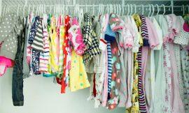 Como guardar as roupas do bebê depois de lavadas?