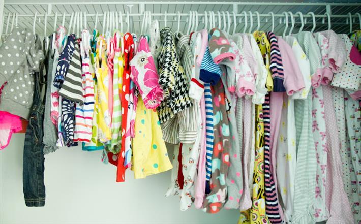 You are currently viewing Como guardar as roupas do bebê depois de lavadas?