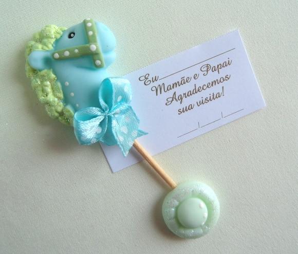 Lembrancinha de maternidade biscuit