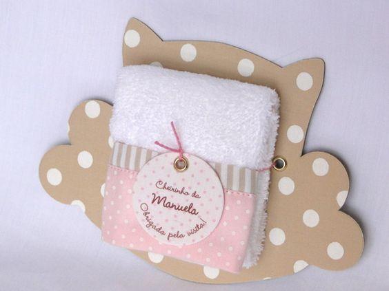 Lembrancinha de maternidade toalha