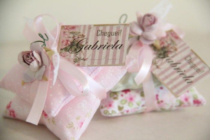 utilizando os moldes de carrinho de bebê abaixo você poderá criar lindas  lembrancinhas para nascimento em eva!