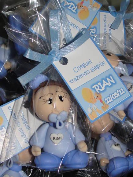 Lembrancinha de maternidade biscuit personalizado