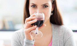 Posso tomar vinho amamentando?
