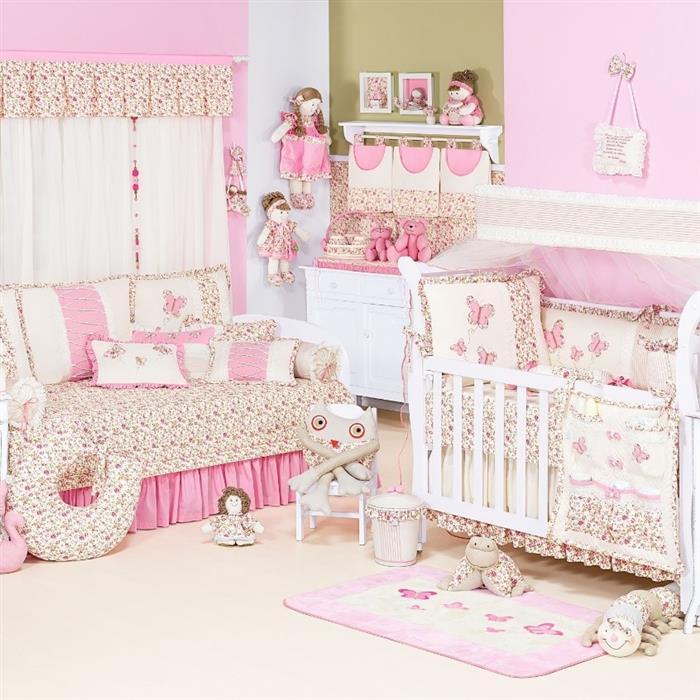 quarto de bebe rosa com bonecas