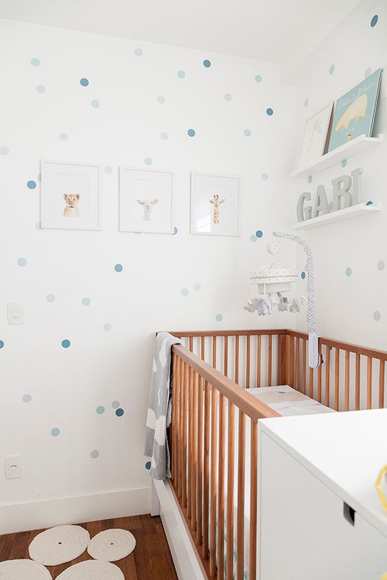 decoração de quarto de bebe menina simples