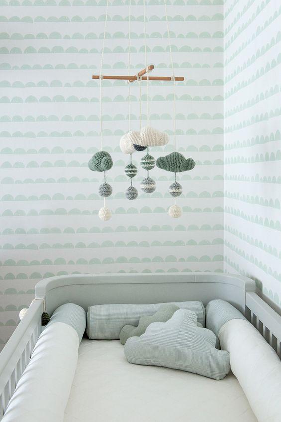 decoração de quarto de bebê feminino simples