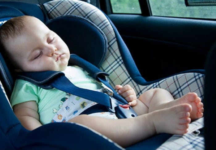 Bebê pode dormir no carro