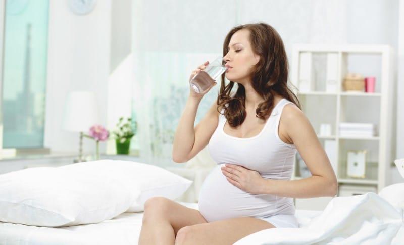 Boca seca na gravidez é normal